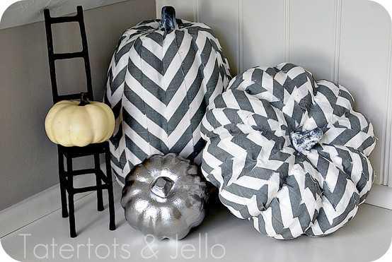 252047073 hrzFvyJ4 c {Inspiration} Fall Decorating