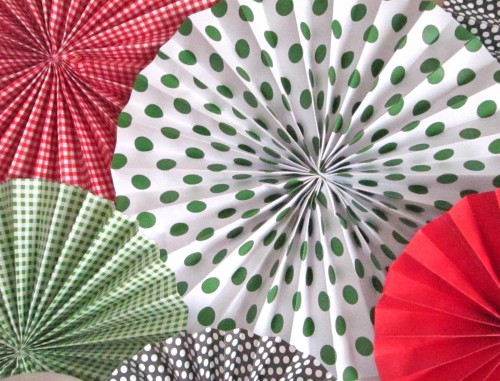 DIY Tutorial} Paper Fan Rosette/Medallions - A Blissful Nest