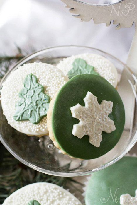 green and white cookies