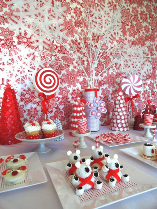 Candy cane colors of red and white as the color scheme for this table