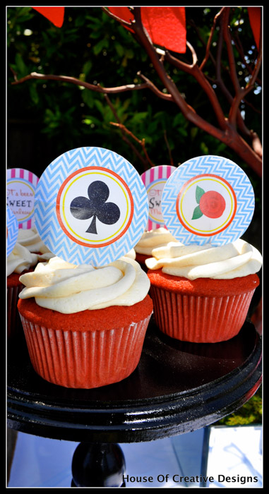 Alice in Wonderland party cupcakes