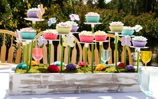 Alice in wonderland tea party for Alice in wonderland birthday decoration ideas