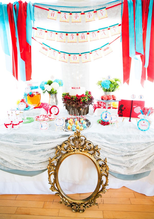 {BN Black Book of Parties} Snow White Birthday Party