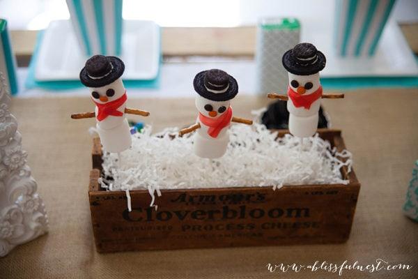 {DIY Tutorial} Snowman Marshmallow Pops