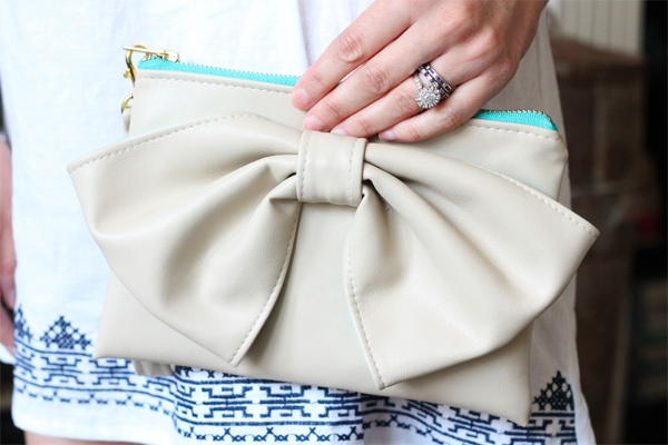 Summer Fashion – The Perfect Bow Clutch