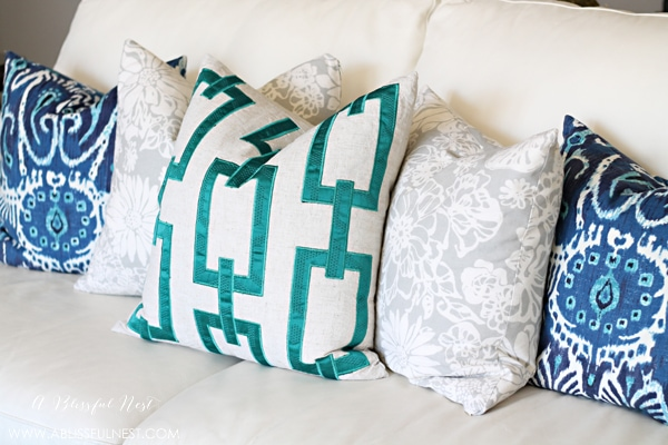 Pillow Styling Tips by A Blissful Nest