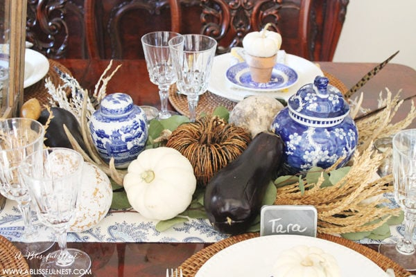 Thanksgiving Table Setting Ideas Using Blue And White Table Decor