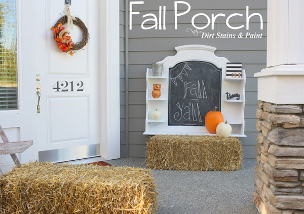 10 Fal Front Porch Decorating Ideas by A Blissful Nest - This front porch fall decor is simple and cute with the chalkboard display and haybales.