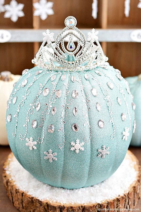20 Pumpkin Decorating Ideas via A Blissful Nest