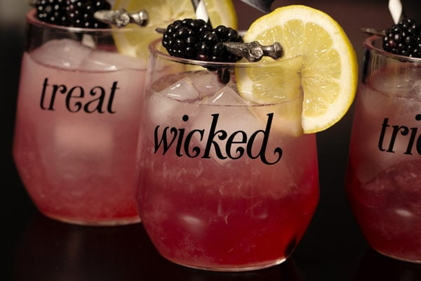Halloween Cocktail Recipe: Witches Kiss Cocktail