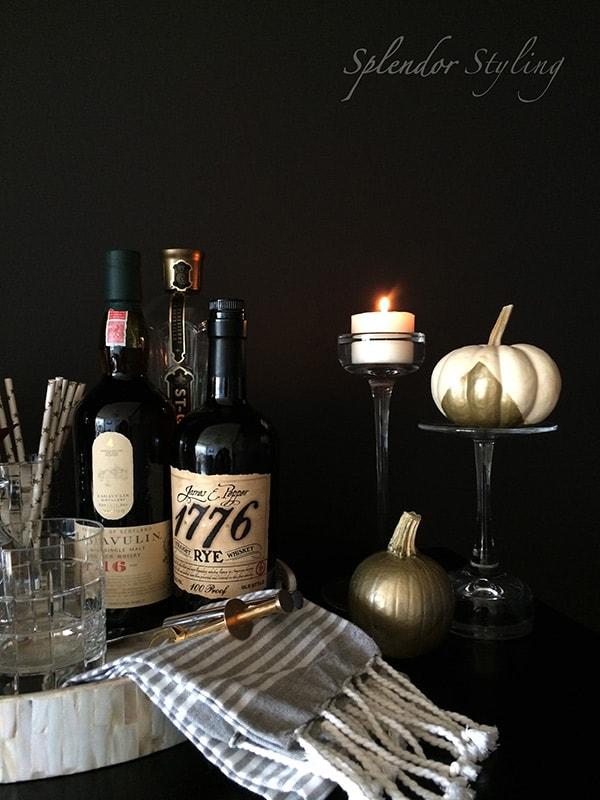 fall-decor-diy-pumpkin-gold-black-stylish