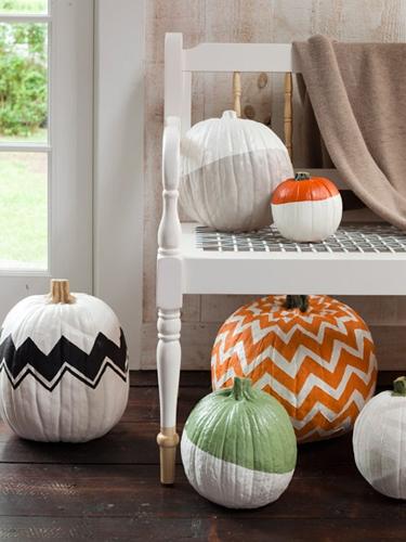 20 Halloween Decorating Ideas via A Blissful Nest