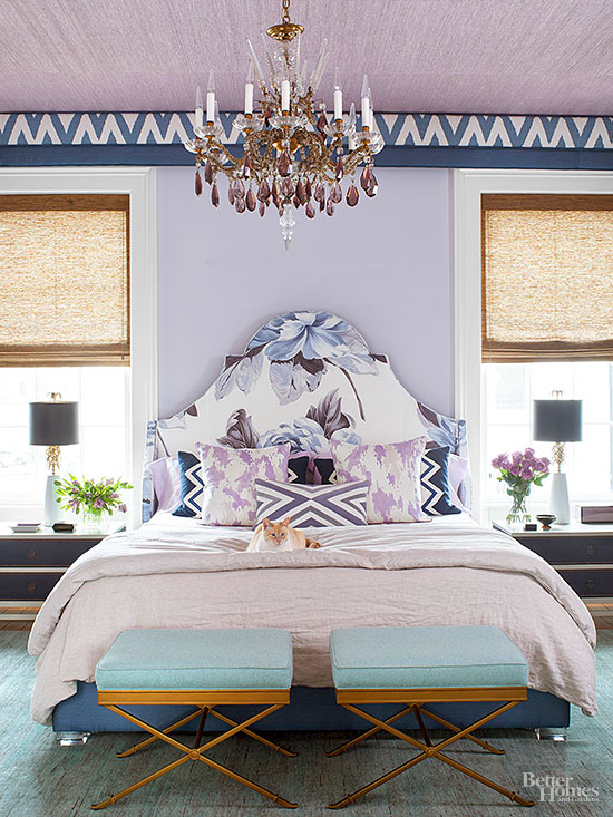 Choose a color to paint the wall above your bed for a dramatic effect. More ideas for decorating above a bed on A Blissful Nest. https://ablissfulnest.com