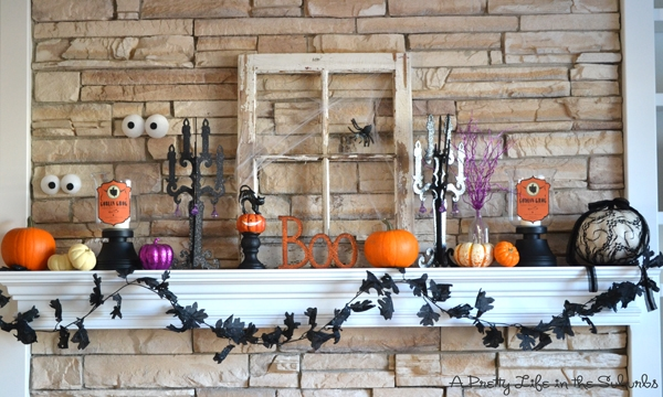 A Pretty Life in the Suburbs Halloween Mantel