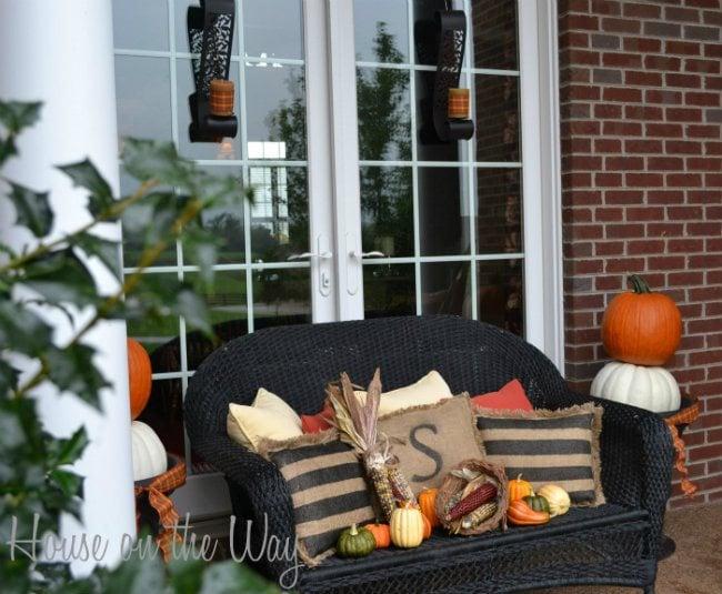 25 fall front porch ideas. Black Bedroom Furniture Sets. Home Design Ideas