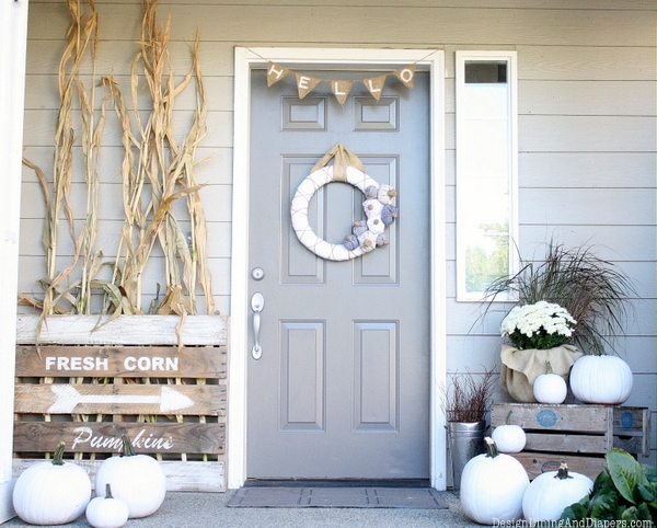 Fall Front Porch Neutral - Fall front porch ideas that are subtle but elegant and still totally seasonal!