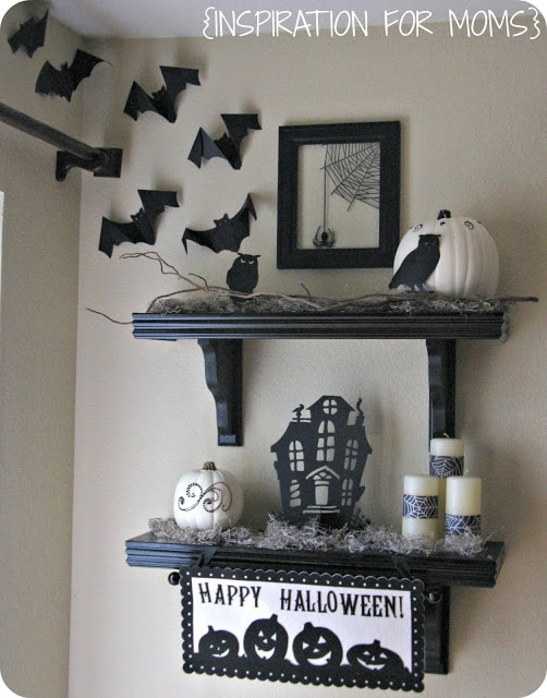Inspiration for Moms Halloween Mantel