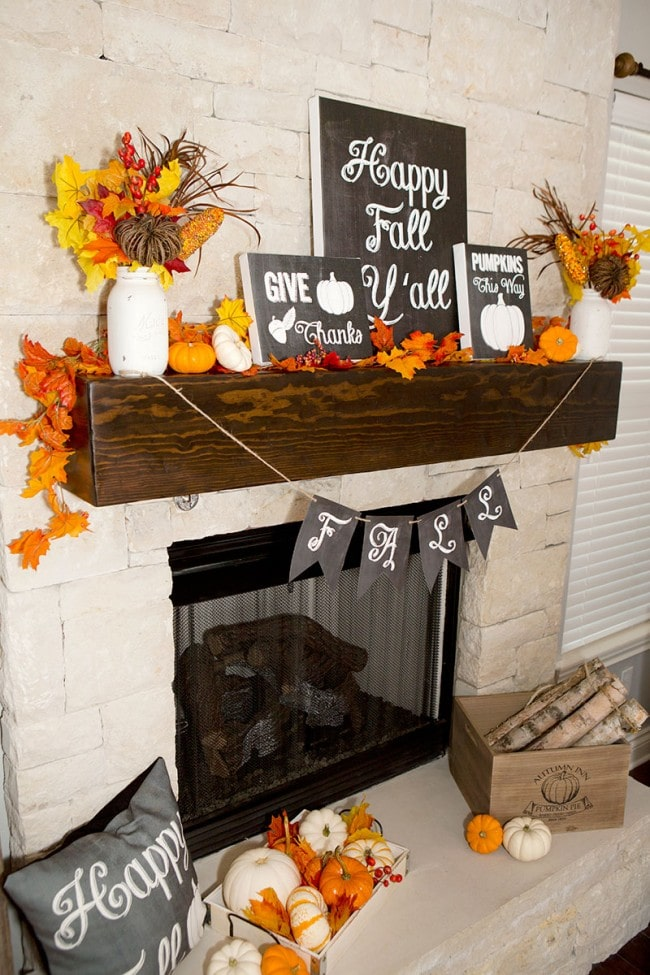 Pretty fall touches in this mantel with chalkboard typography.