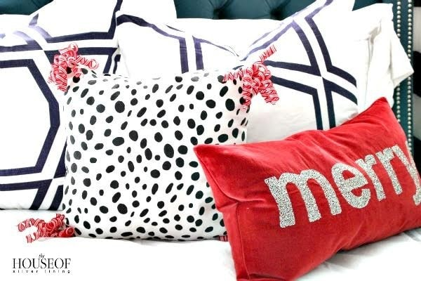 Easy holiday pillow tutorial