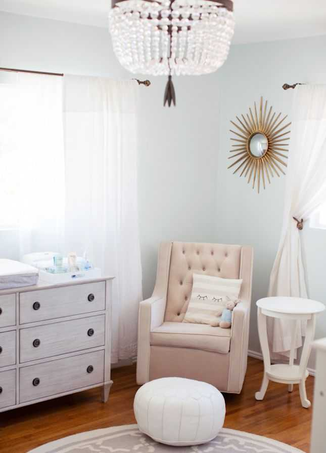 Love the idea of using sunburst mirrors in a kids room for a fun modern touch!