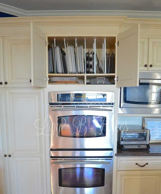 Controlling Cookie Sheets, 25 Kitchen Organization Ideas