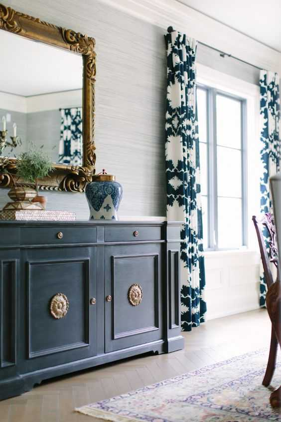 Love the color navy? So do we! Learn how to decorate with navy blue and get our BEST navy paint colors by A Blissful Nest. #navyblue #designtips #decoratewithnavy #navydecor #navylivingroom #blueappliances https://ablissfulnest.com
