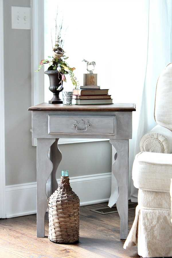 DIY Side Table Makeover by Refresh Restyle, 20 DIY Farmhouse Projects
