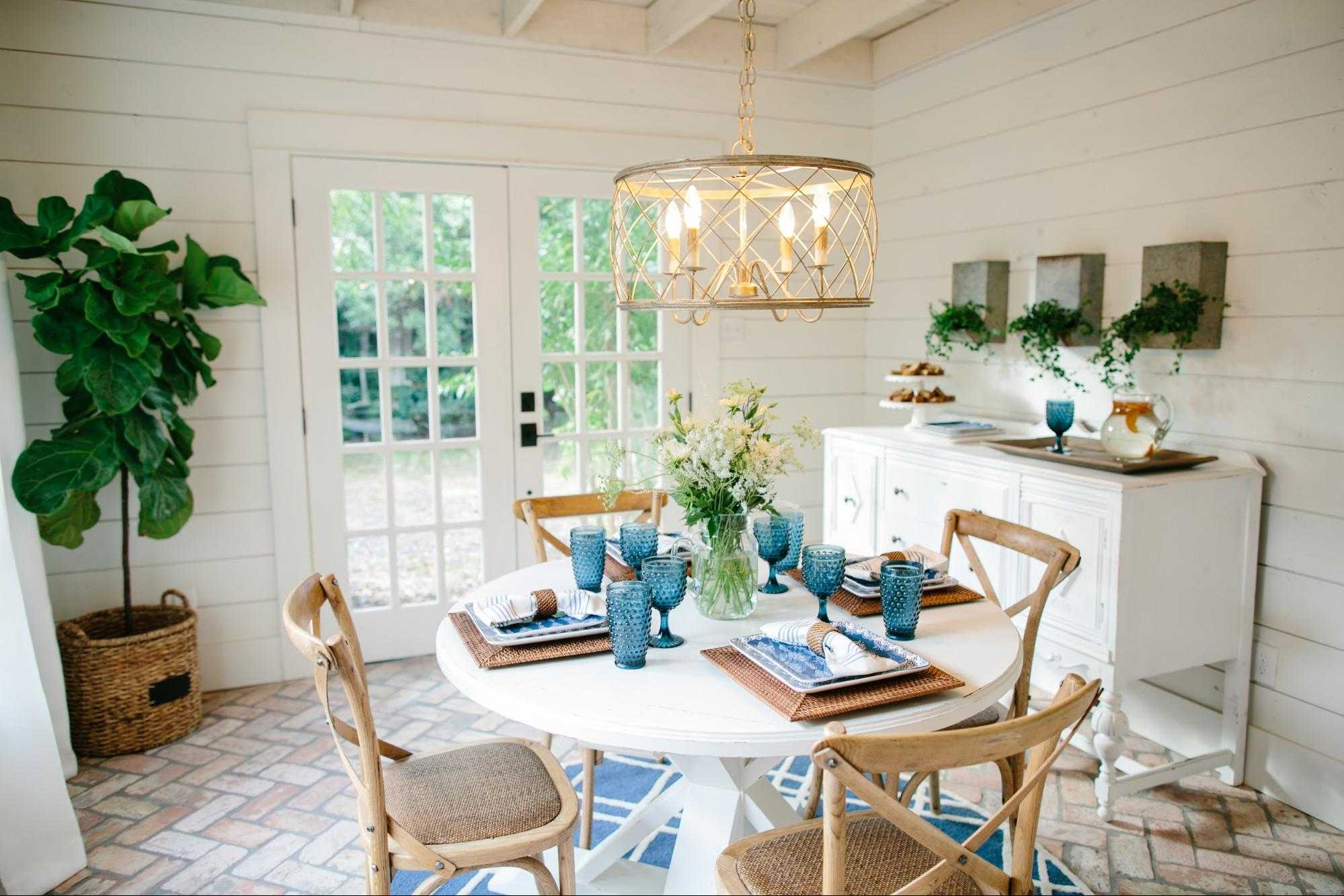 Fixer upper breakfast room design details for Does the furniture stay on fixer upper