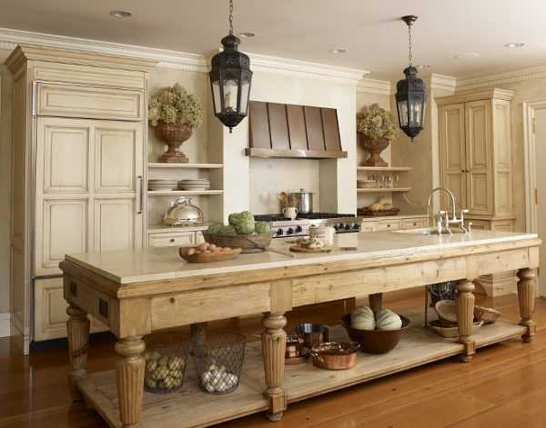 Hickman Design Associates Via Home Bunch Farmhouse Kitchen Island 20 Farmhouse Kitchens