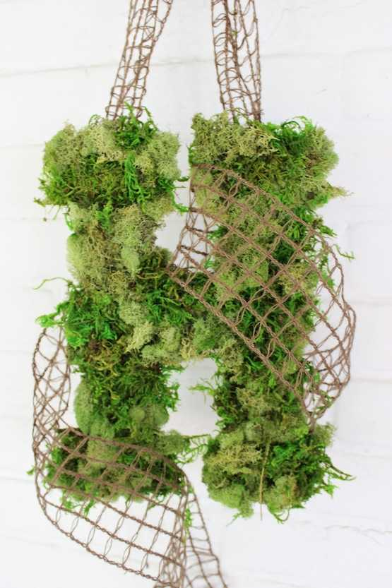 Moss Covered Monogram Wreath by The Chic, 15 Best Spring Wreaths