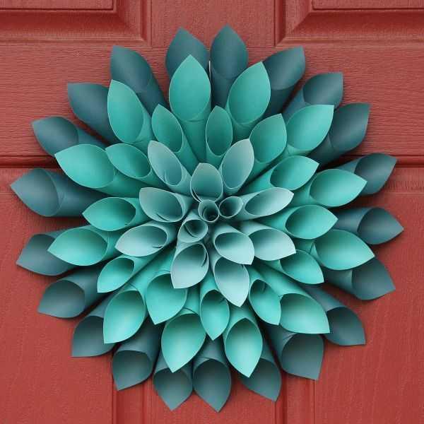 Paper Dahlia Wreath by Stars & Sunshine, 15 Best Spring Wreaths