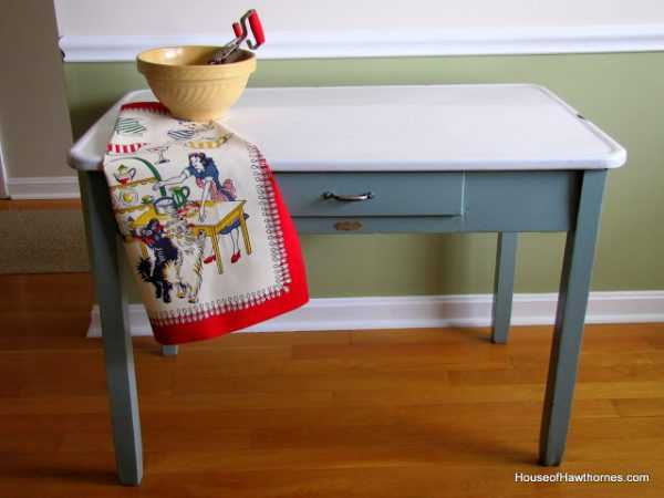Updating an Enamel Top Table by House of Hawthornes, 20 DIY Farmhouse Projects