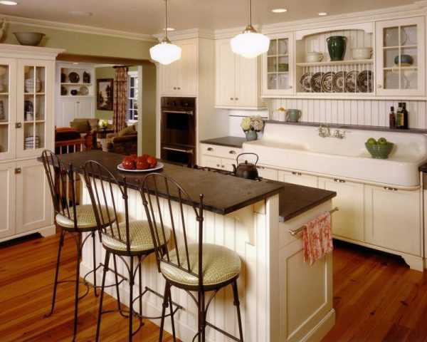 farmhouse kitchen cabinets. Country Living via Vintage Farmhouse  20 Kitchens For Fixer Upper Style Industrial Flare