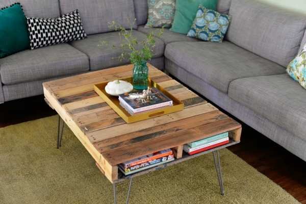 DIY Pallet Table Hairpin Legs, 20 Amasing Pallet Projects via A Blissful Nest