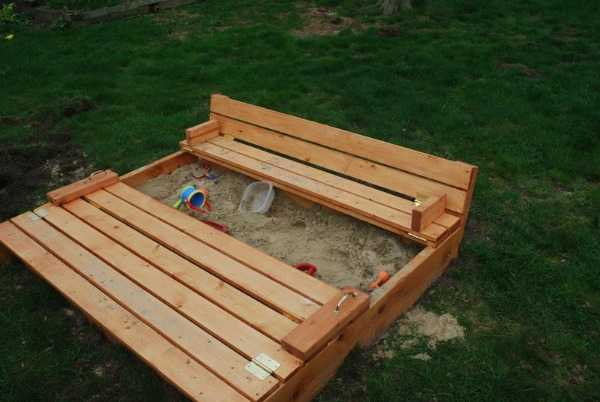 DIY Sandbox with Benches, 20 Amazing Pallet Projects via A Blissful Nest
