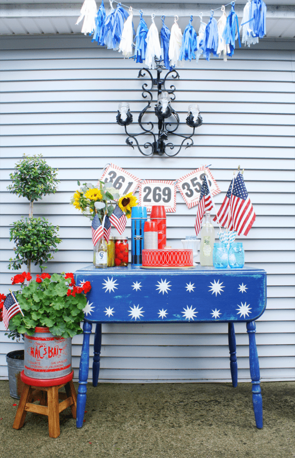 Starry Patriotic Table Makeover, Best 4th of July Decor Ideas via A Blissful Nest
