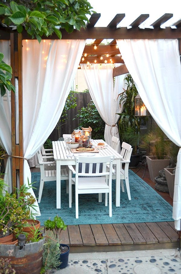 Mr Kate, 20 Best Patio Spaces via A Blissful Nest