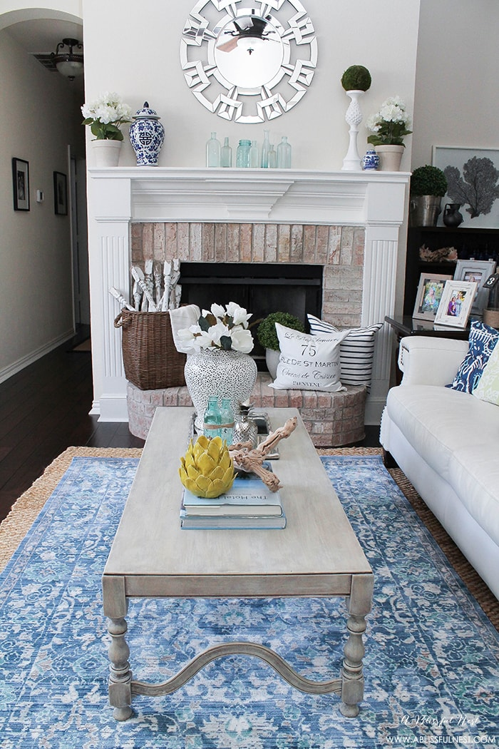 Get this coastal weathered wood finish on any furniture you'd like to upgrade with this easy to follow tutorial.