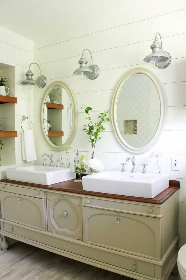 Making It In The Mountains, 20 Best Farmhouse Bathrooms . #ABlissfulNest  #InteriorDesign #