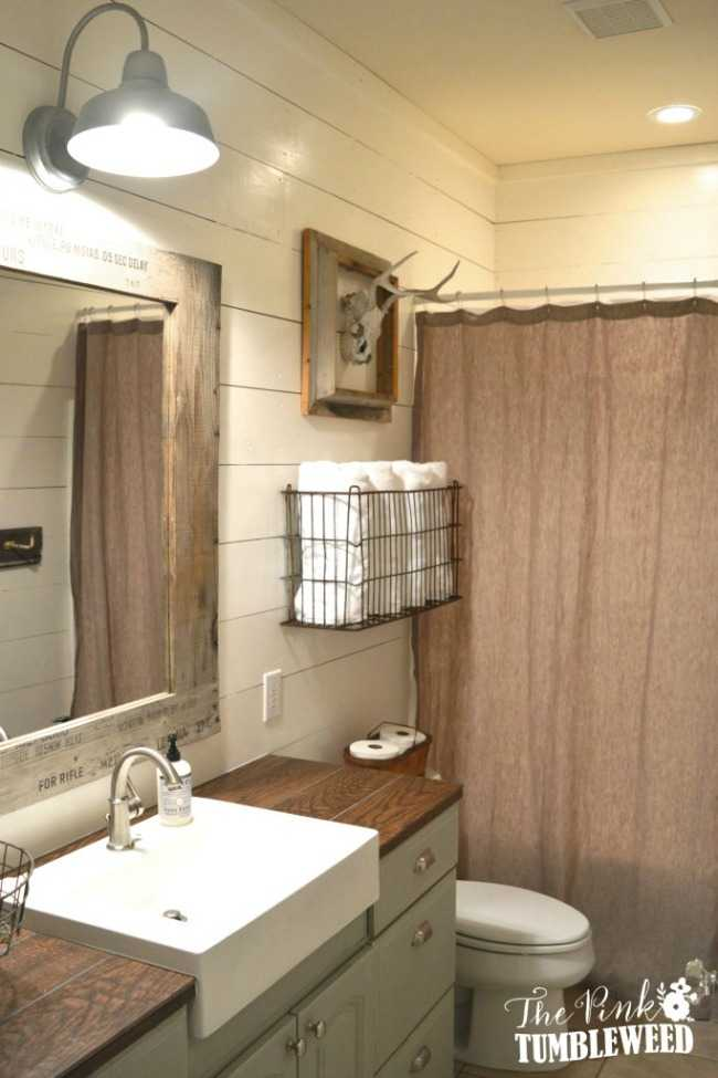 20 Best Farmhouse Bathrooms to Get That Fixer Upper Style! on Farmhouse Bathroom Ideas  id=59240
