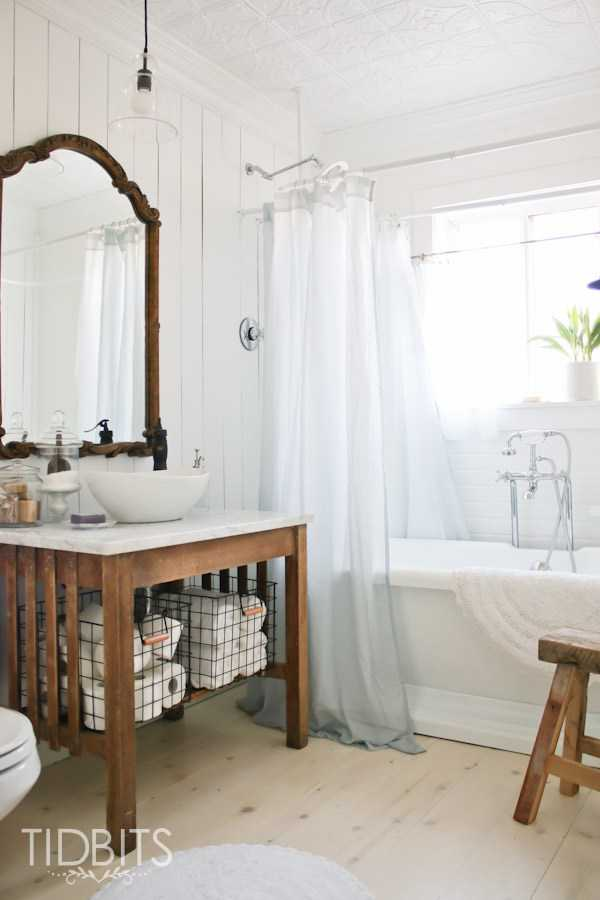 TidBits, 20 Best Farmhouse Bathrooms