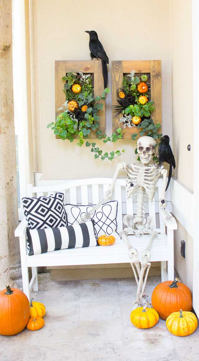 Design Improvised, 20 Fabulously Spooky Halloween Front Porches via A Blissful Nest