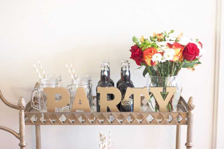 This festive fall bar cart is perfect for any entertaining occasion or even a quiet evening at home. Be prepared for anyone who may stop by, too! Seen on https://ablissfulnest.com/