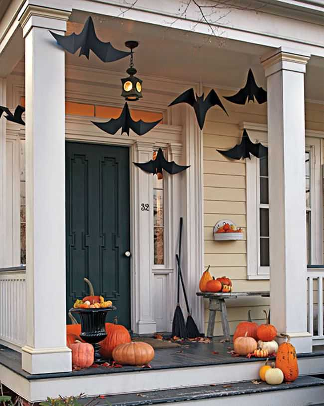 Martha Stewart, 20 Fabulously Spooky Halloween Front Porches