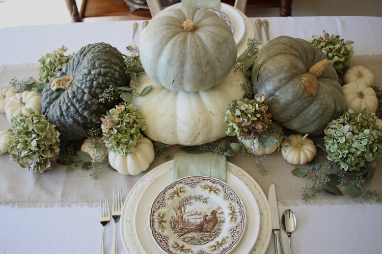 A Gorgeous Neutral Fall Tablescape