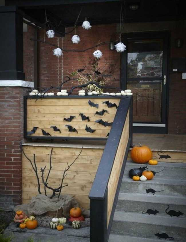 via HGTV, 20 Fabulously Spooky Halloween Front Porches