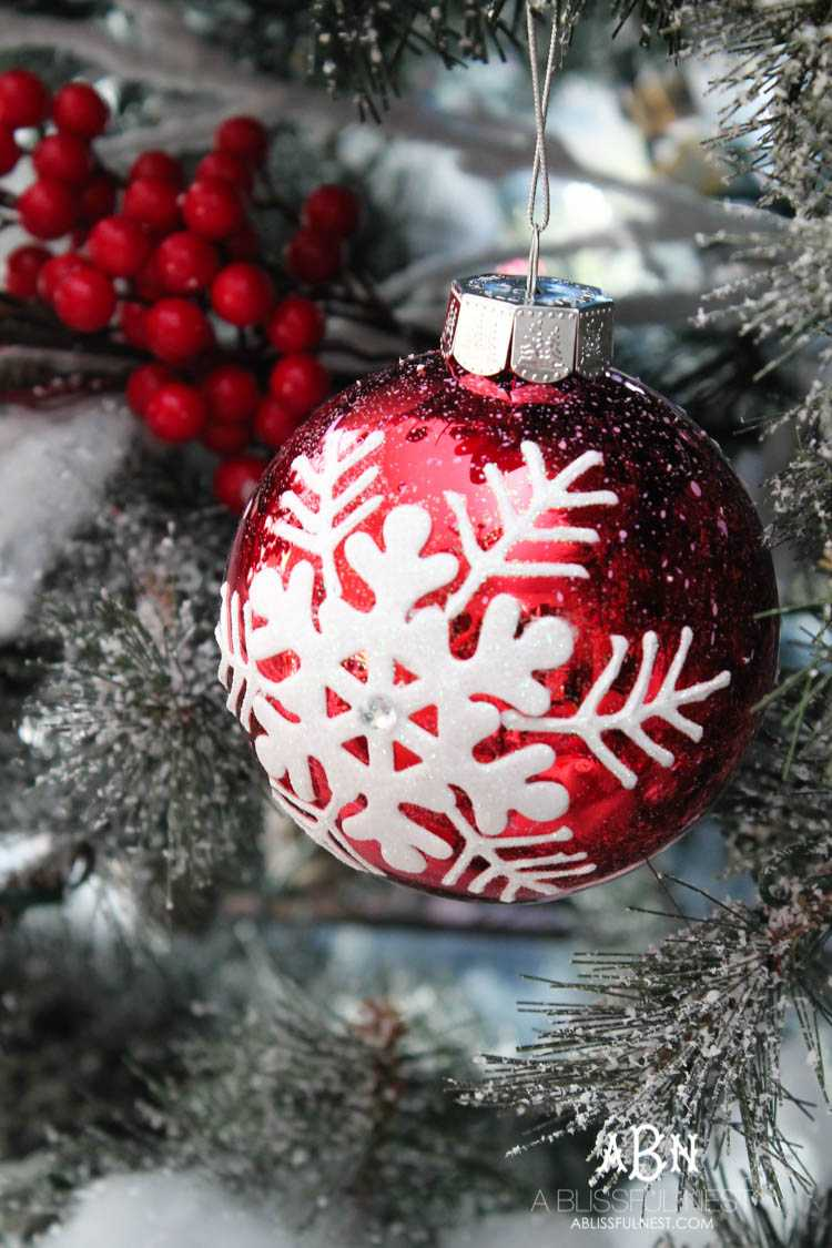 gorgeous red and white christmas tree dcor ideas make your own classic christmas tree with - Red And White Christmas Tree Decorations Ideas