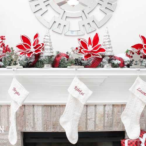 These are such great tips to personalize your home for the holidays and make your home cozy for the winter!! See more on http://ablissfulnest.com/ #christmascraft #holidaytabledecor #christmasdecorating