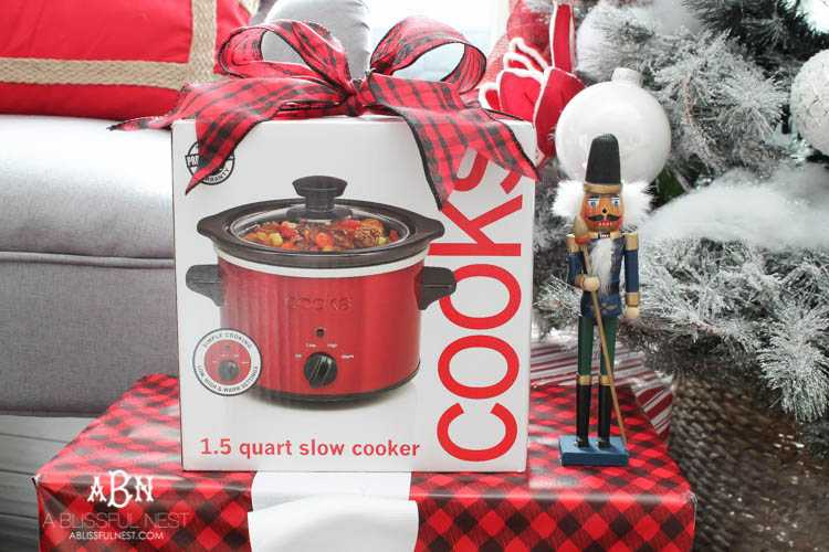 Joy Worth Giving Gift Ideas + JCPenney Holiday Hot Picks Event!