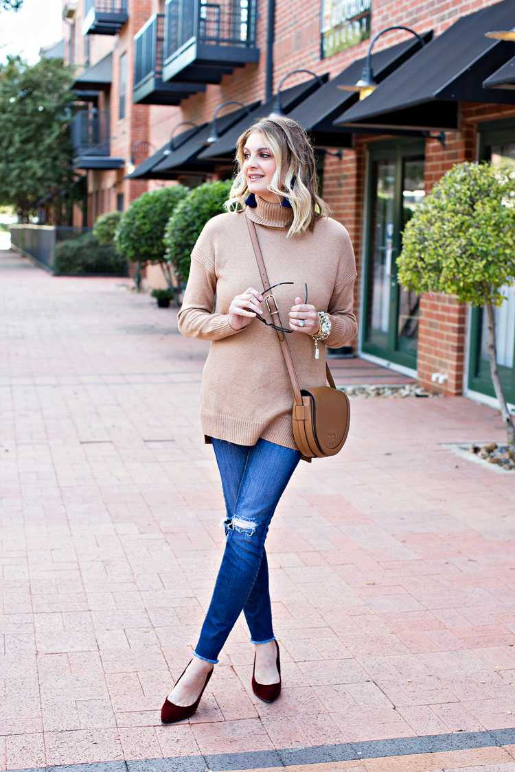 Dressed up winter look with camel turtleneck sweater and color pops of burgundy and navy. Get the details on https://ablissfulnest.com/